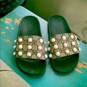 Gucci pearl stud slides